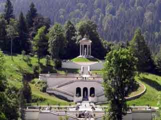 Linderhof garden1