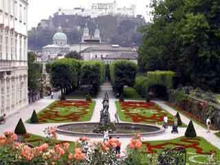 Mirabell garden2