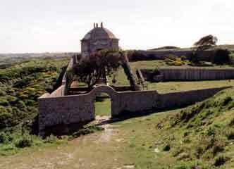 Espichel monastery garden