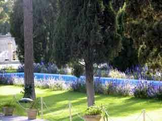 Hafez tomb garden2