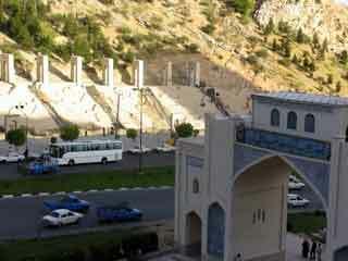 Koran gate shiraz2
