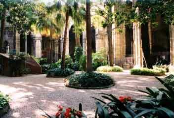 Barcelona cloister3