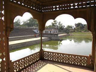 Deeg palace garden2