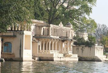 Udaipur city palace1