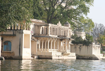 Udaipur city palace1