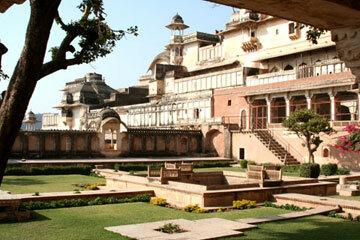 Bundi palace gardens1