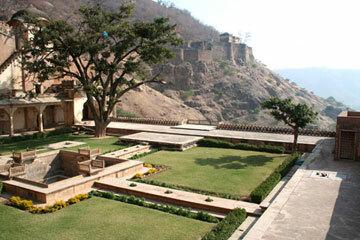 Bundi palace gardens2