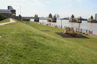 Medium thames barrier visitor cent original