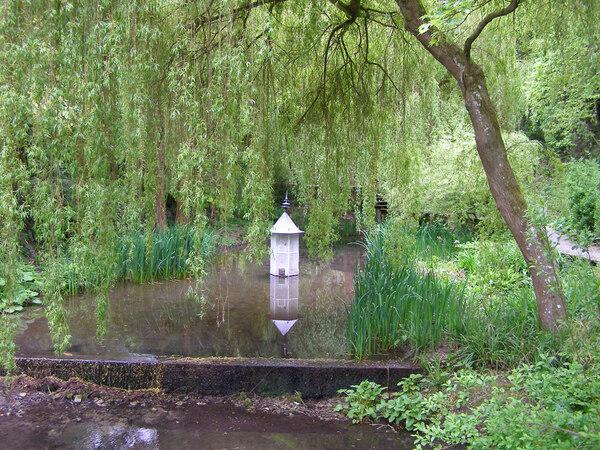 The Lyde Garden, Bledlow