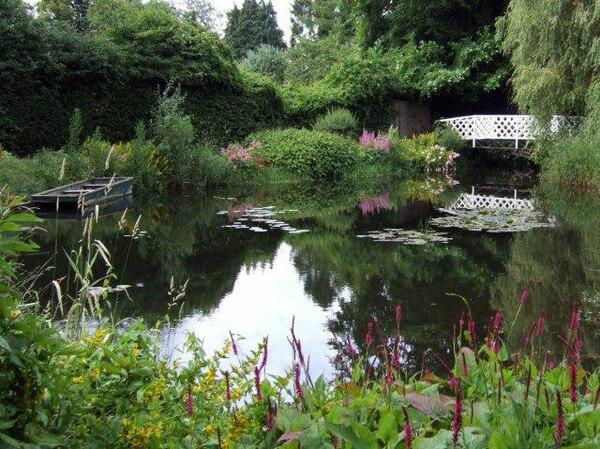 Pond, Gooderstone Water Gardens