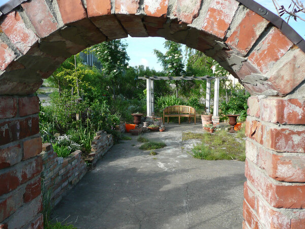 Arch, Bla Huset