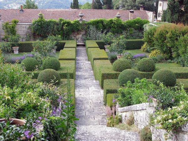Villa La Foce, Summer