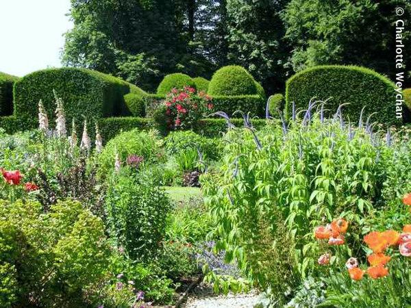 Misarden Park Gardens, Summer