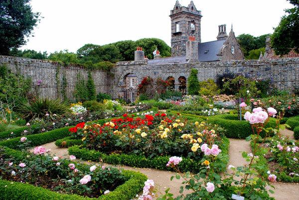 Roses, La Seigneurie
