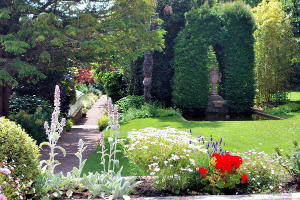 Hauteville House And Garden Maison Victor Hugo
