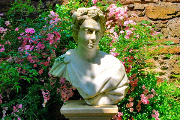 Bust, Jardins du Montmarin