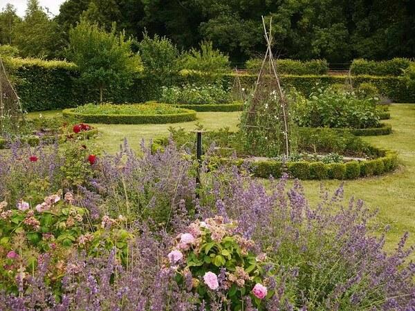 Scampston Walled Garden, Summer