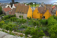 Medium culross palace medieval garden original