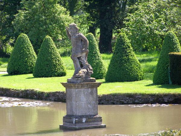 Statue, Westbury Court Garden